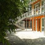 Kindergarten St. Johannes in Taufkirchen - Teilansicht Gartenseite