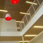 Holzlamellendecke in Flur - Kooperationseinrichtung in München