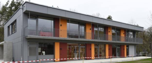 kinderhaus-holzhybridbauweise-ausenansicht.jpg
